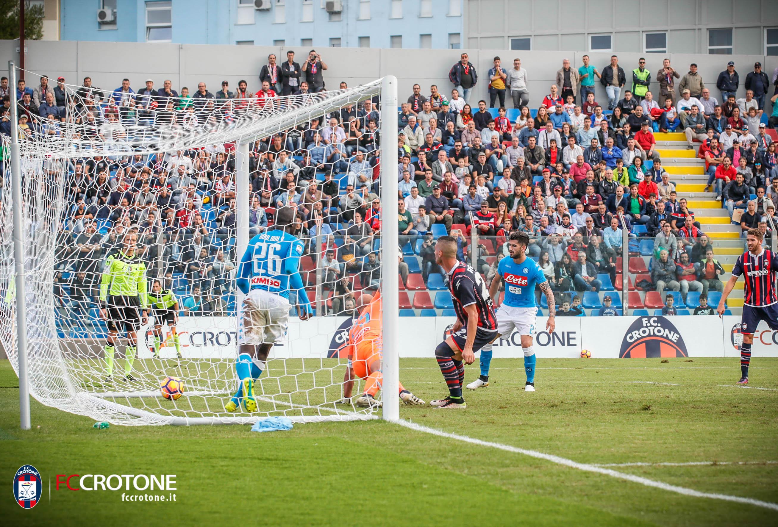 Napoli, Sarri spera di recuperare Albiol per la sfida dello Stadium
